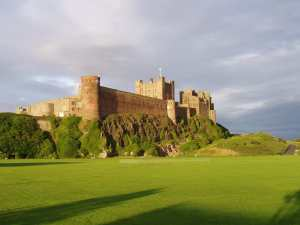 Bamburgh-Castle-in-England-castles-173316_1920_1454