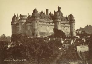 Chateau_de_Pierrefonds_general_view_19th_century