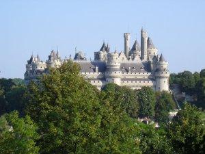 Château_de_Pierrefonds_vu_depuis_le_Parc