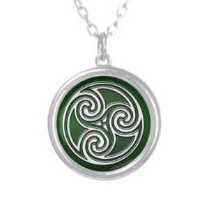 colar_verde_irlandesa_de_triskelion_do_no_celta-reb7530b80b9f49c5bf8aab68f2bc7fcb_fkoei_8byvr_512
