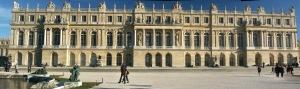 Versailles-Chateau-FacadeJardin