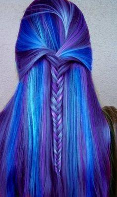cabelo azul e roxo