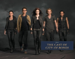 -The-Mortal-Instruments-City-of-Bones-official-illustrated-companion-photos-simon-lewis-35360074-1931-1536