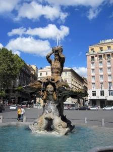 Fontana_del_Tritone_by_Bernini